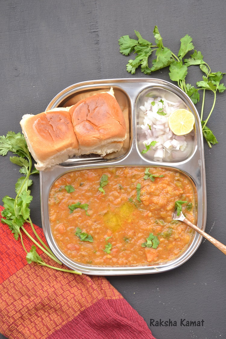 Bombay Pav Bhaji, pav bhaji, Mumbai street food, Mumbai pav bhaji, street food, Indian mashed potato curry, Mashed potato bhaji, Street food from Mumbai, Popular Indian street food, Pav bhaji made on Tava, Mashed potatoes Indian style, Masala mashed potatoes, Snacks recipes, breakfast recipes, Mashed vegetables curry