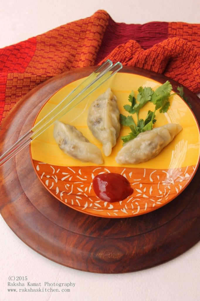 Vegetable Momos, tupperware, Tupperware Steamer, Steamed momos, momos