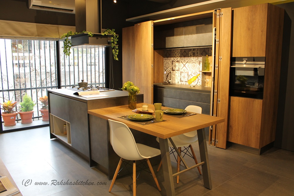 Italian modular kitchens by stosa cucine store launch in for Mobilia store cucine