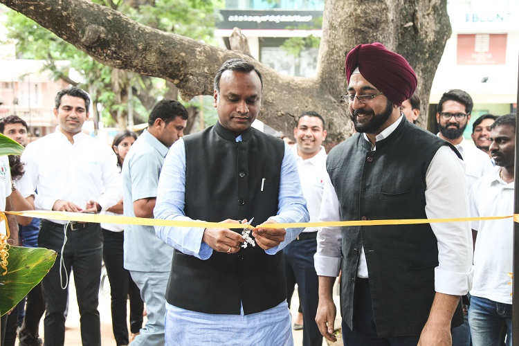 Priyank Kharge inaugurates Chai Point store
