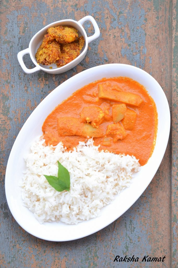 Prawns curry with radish and raw mango